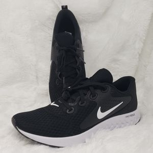 Nike Legend React Black White AA1626-001 Running